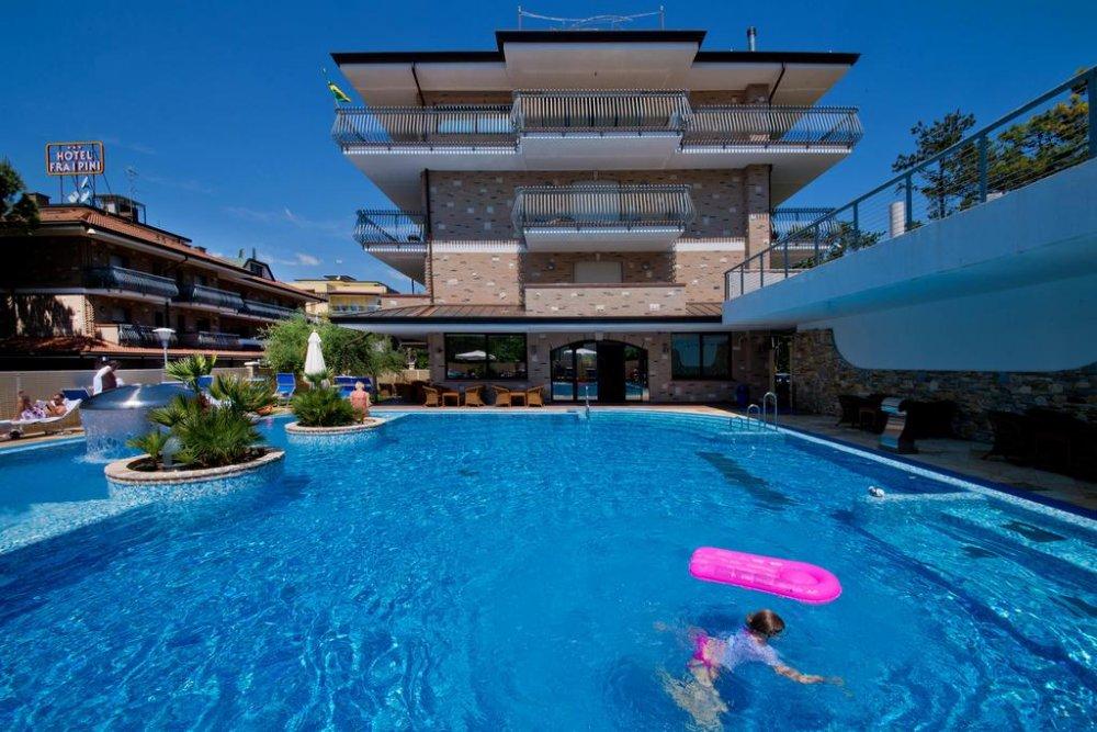 Lignano hotel fra i pini 3 stelle zona pineta - Hotel jesolo 3 stelle con piscina pensione completa ...