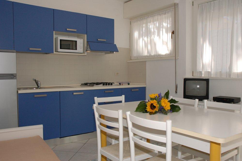 Mietet wohnung villa costanza in lignano sabbiadoro for Ufficio 6 lignano sabbiadoro