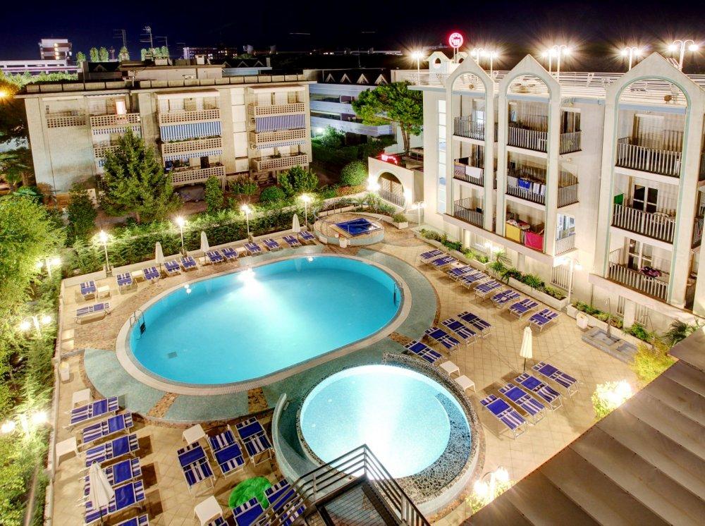 Lignano Hotel Palace 4 Sterne In Sabbiadoro