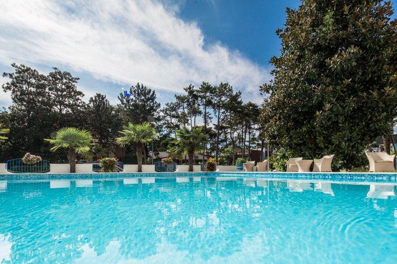 Lignano hotel olympia 3 stelle zona pineta for Piscina hotel olympia