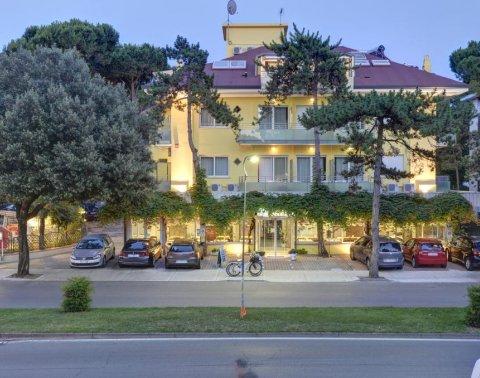 Hotel a Lignano Sabbiadoro 1, 2, 3, 4, 5 stelle